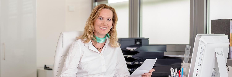 Zahnarzt Potsdam - Siemund / Hashemi - am Empfang der Praxis